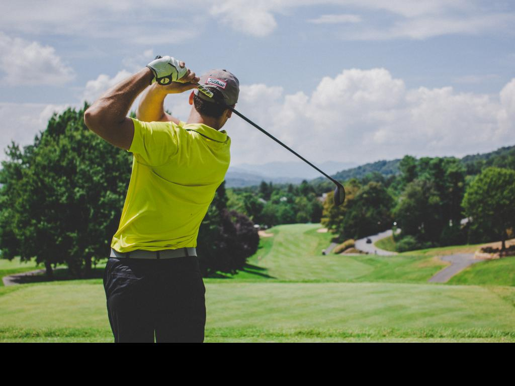 Online golf lessons – a fast looking golf swing can mess up your shot